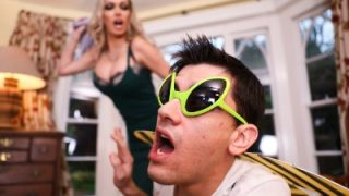 LilHumpers – Amber Jayne Lil Bugger