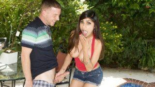 Mia Khalifa Loves to Suck Dick